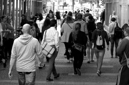 """""""Crowdfunding"""" - Online Communities werden zu Investoren 2"""