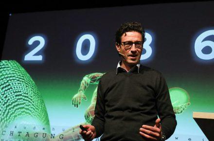 """""""Technik ist unser evolutionärer Vorteil"""""""