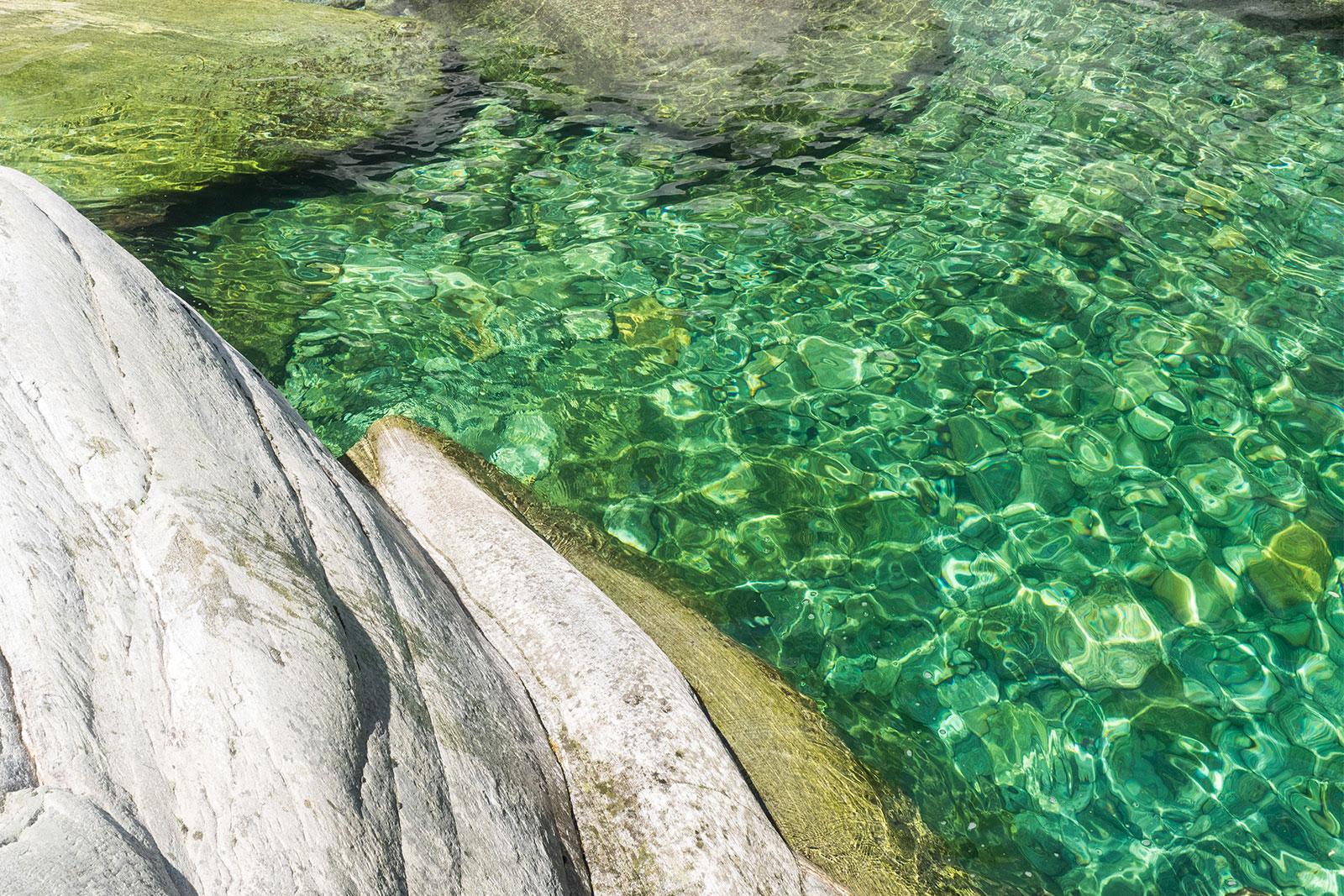 Grünes Wasser der Maggia