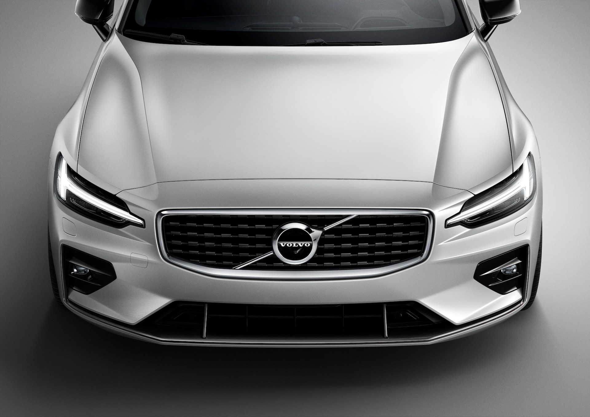 New Volvo V60 R-design