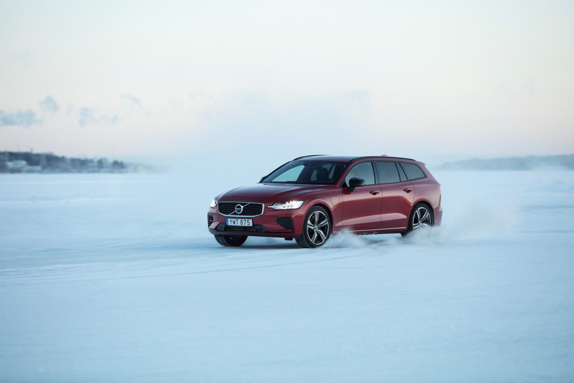 Volvo V60 T8 Test Drive in Luleå, Sweden