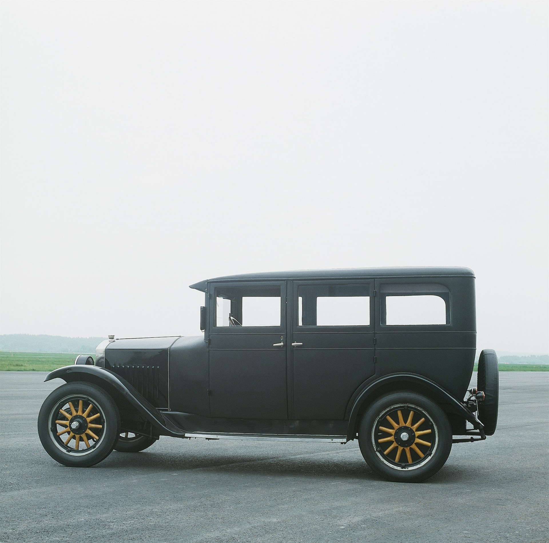 Volvo PV 4