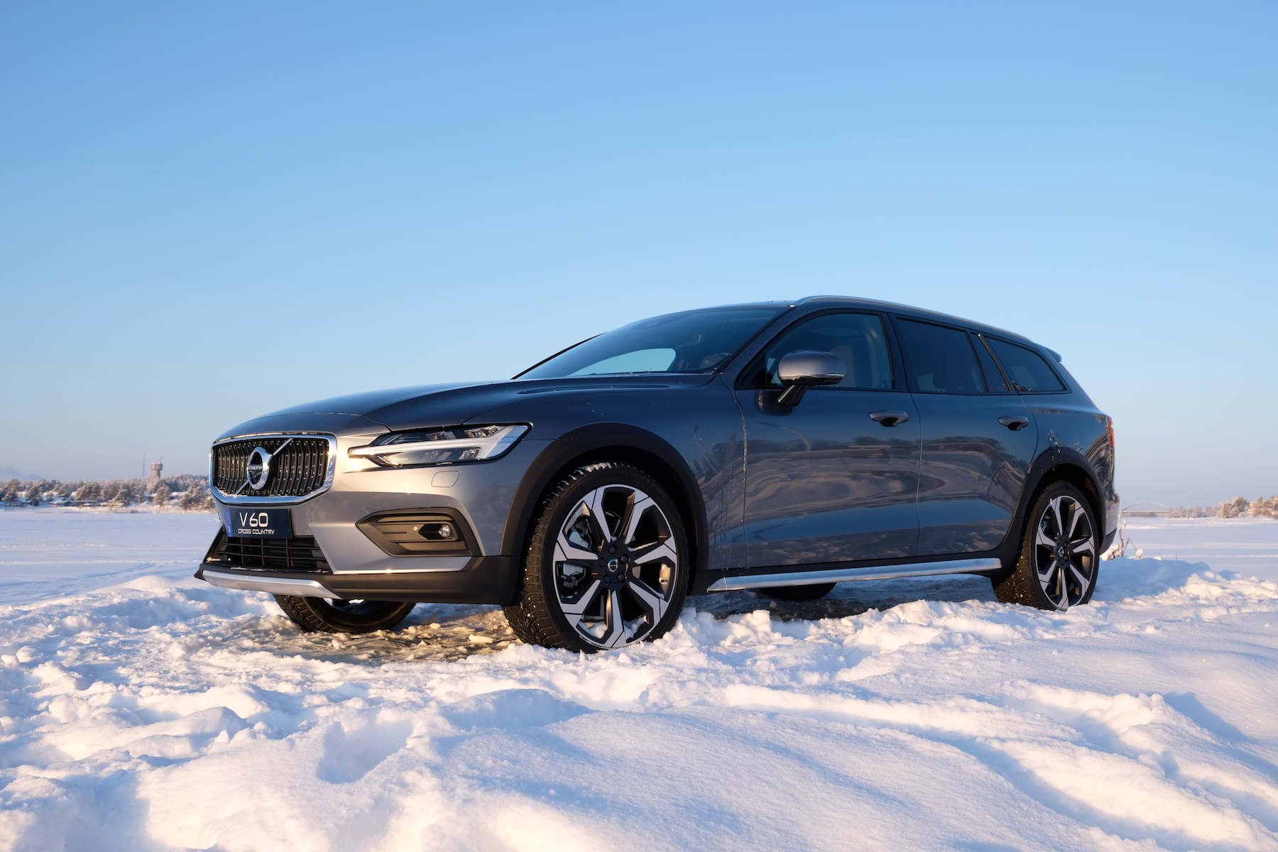 2020 Volvo V60 Cross Country First Drive