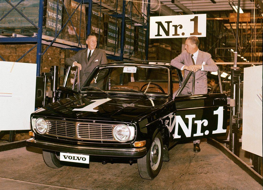 Volvo 144 wurde folglich mit Preisen und Auszeichnungen geradezu überhäuft.