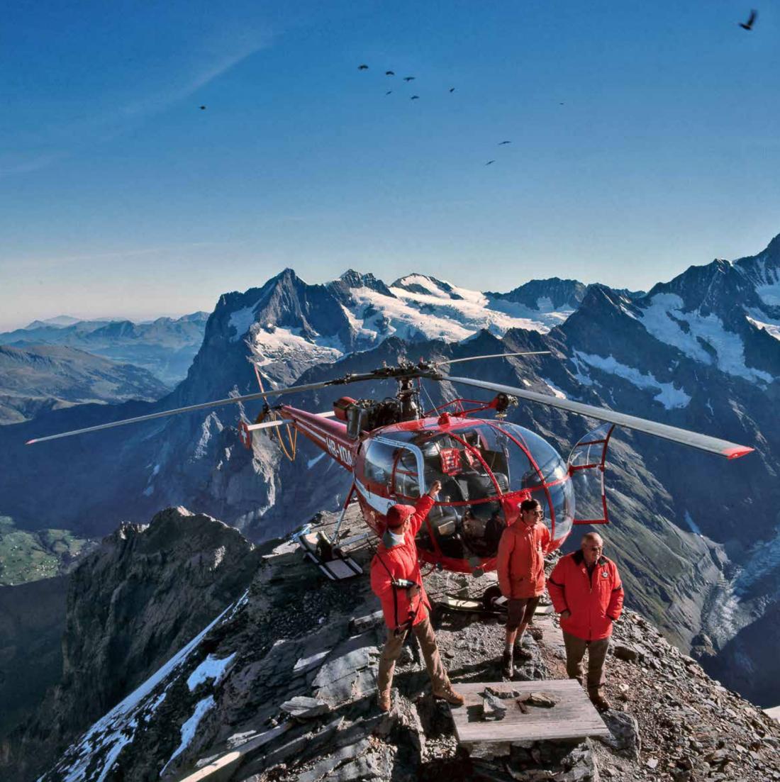 Präzise Landung mit dem Helikopter auf einem noch so kleinen Felsvorsprung.