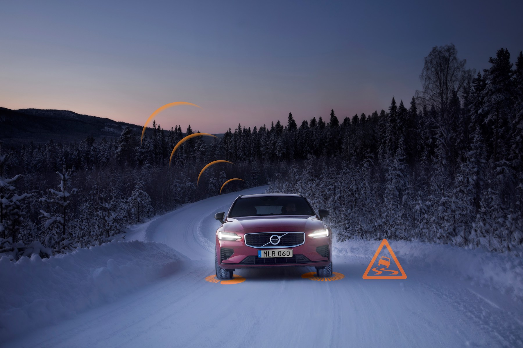 Connected Safety Slippery Road Alert Volvo Cars