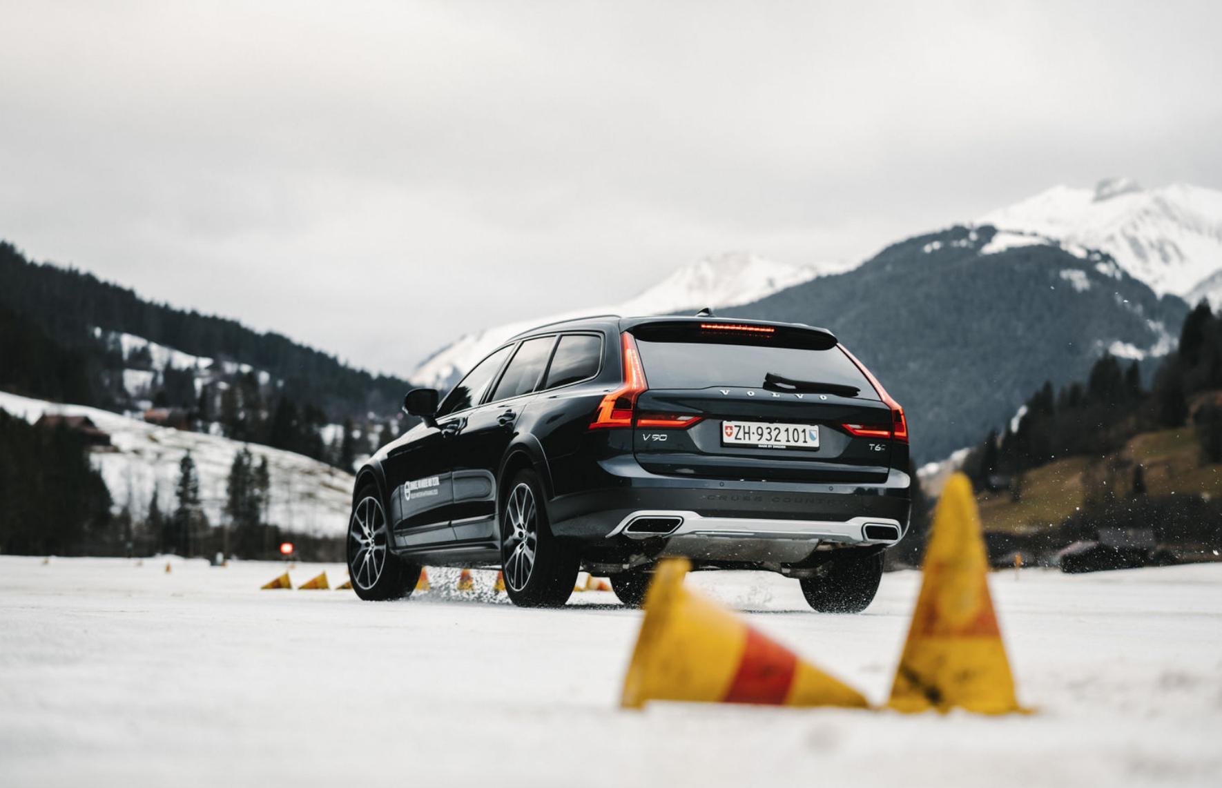 Volvo_Winterfahrtraining_Gstaad_9