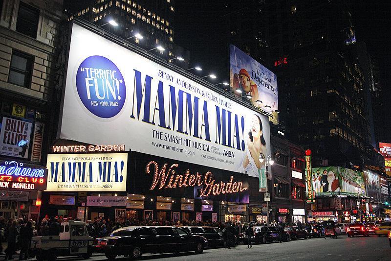 Musical_Mamma_mia_NY_Broadway_01