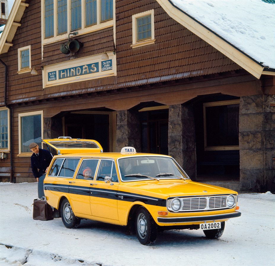 Volvo_145_Taxi