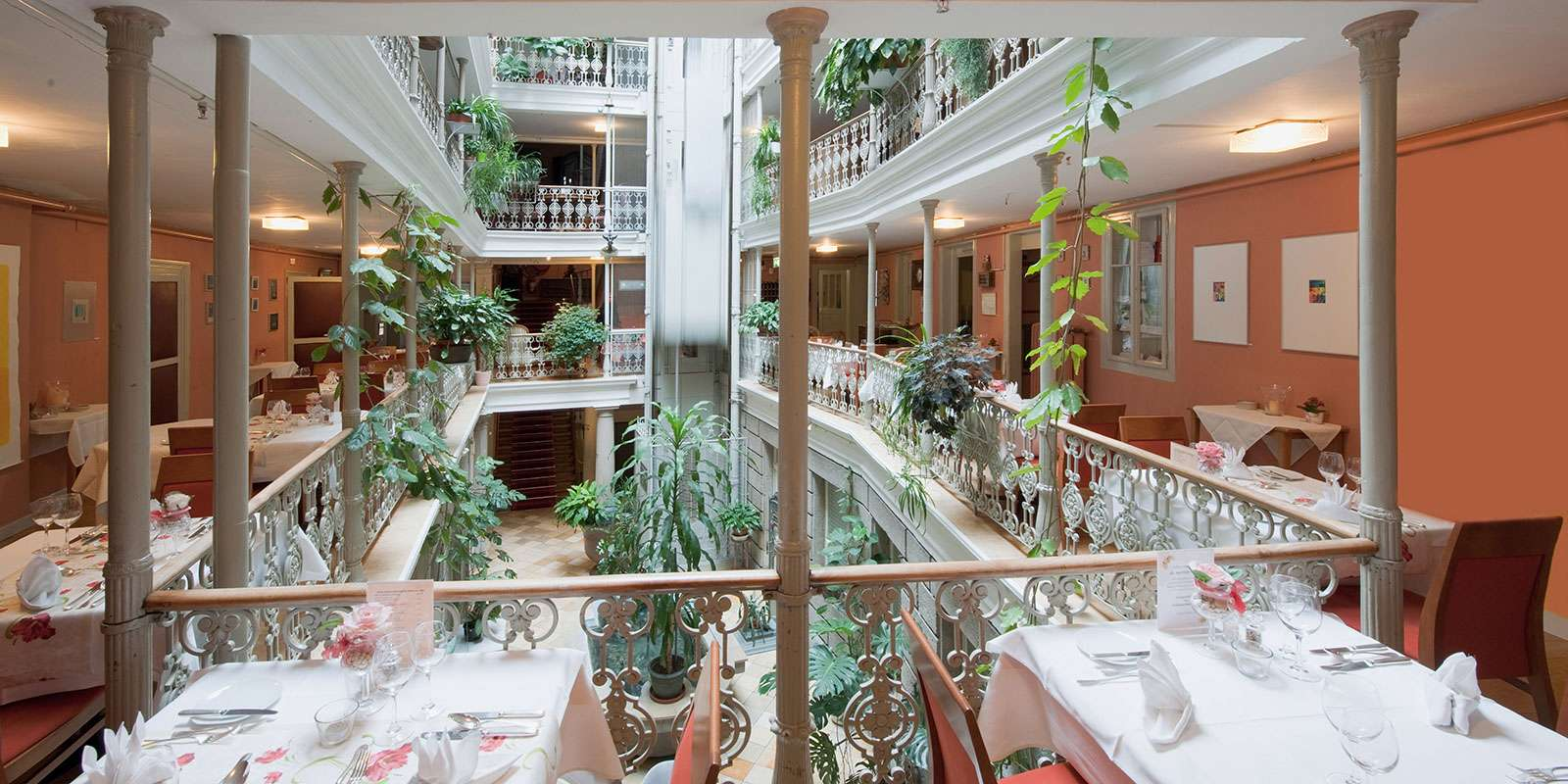 Hotel_Blume_Atrium