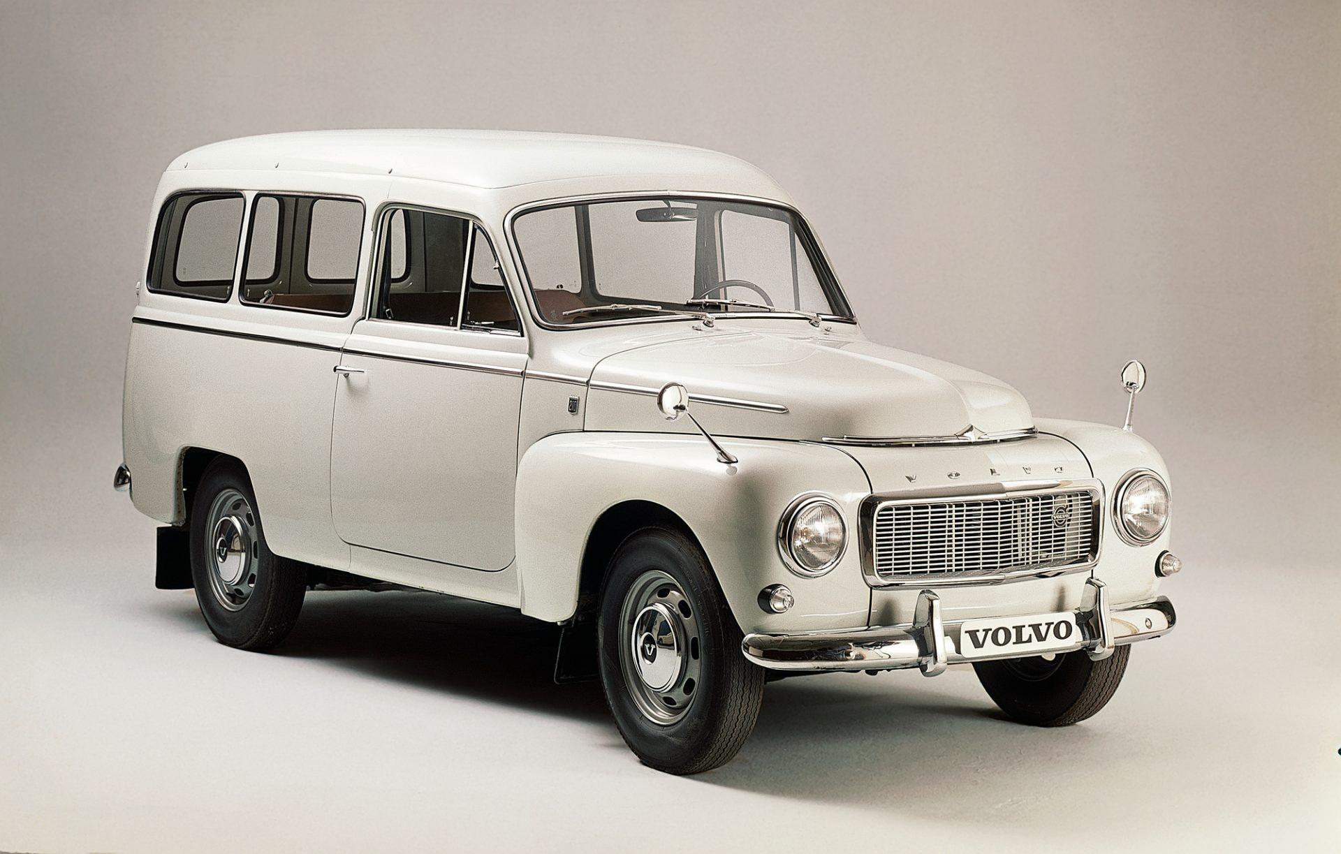 Volvo_P210_Duett_01