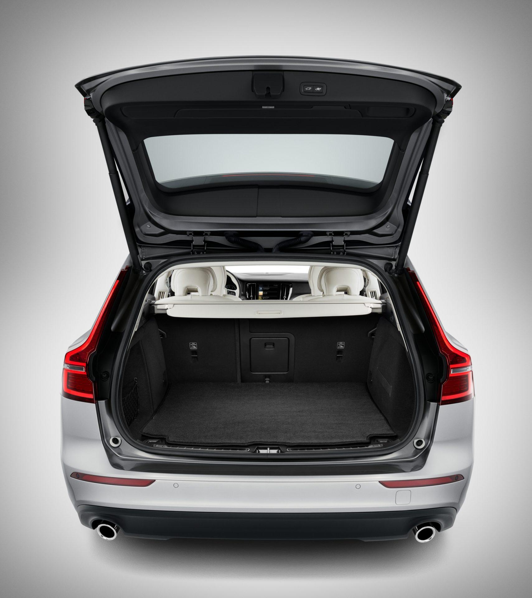 Volvo_doppelseitige Gepäckraummatte-VCC11914