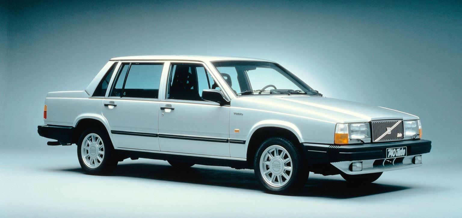 43_volvo740_sedan_large