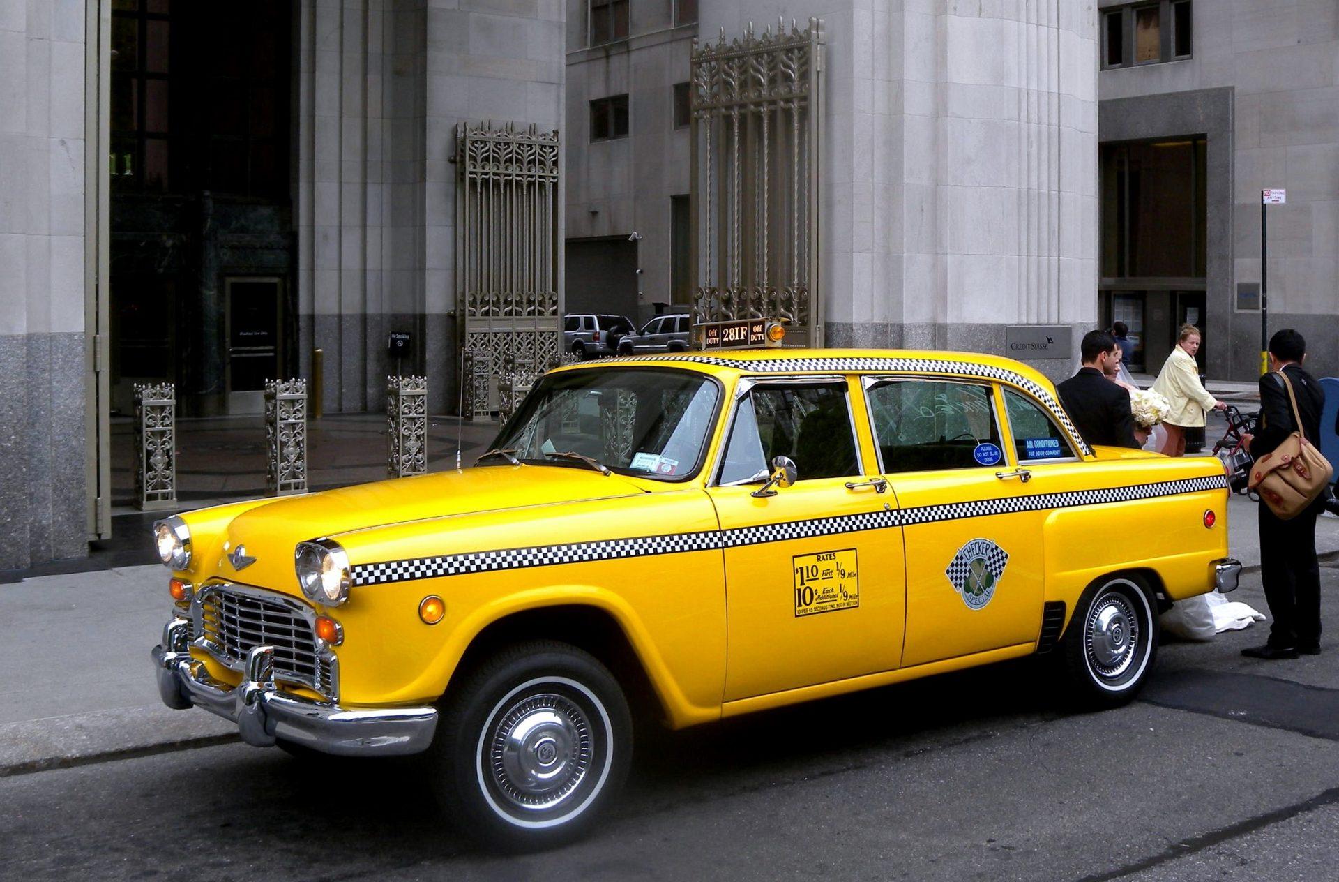 Checker_Taxi_Madison_Sq_jeh