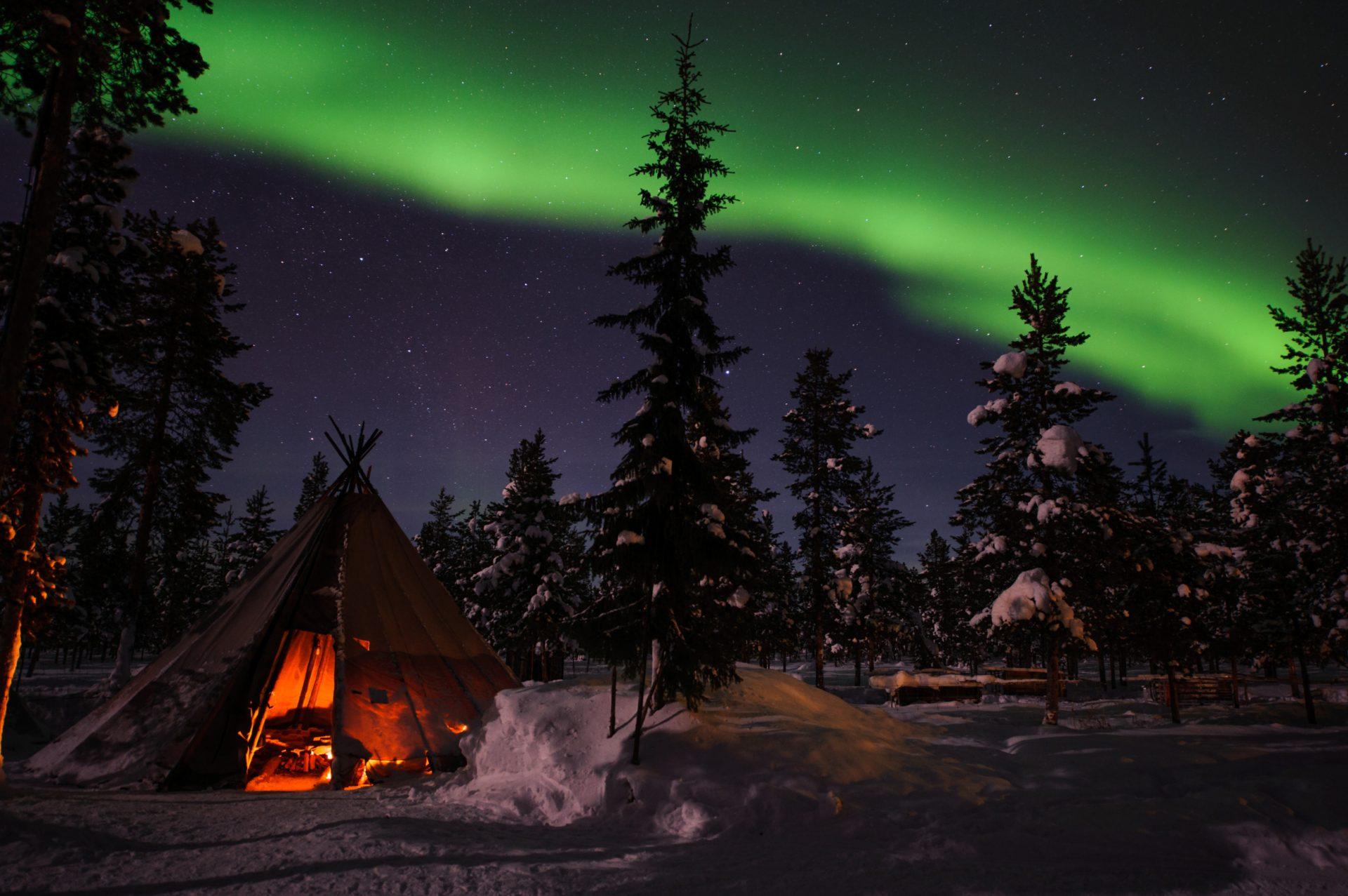 lola_akinmade_Akerstroem-northern_lights-2602