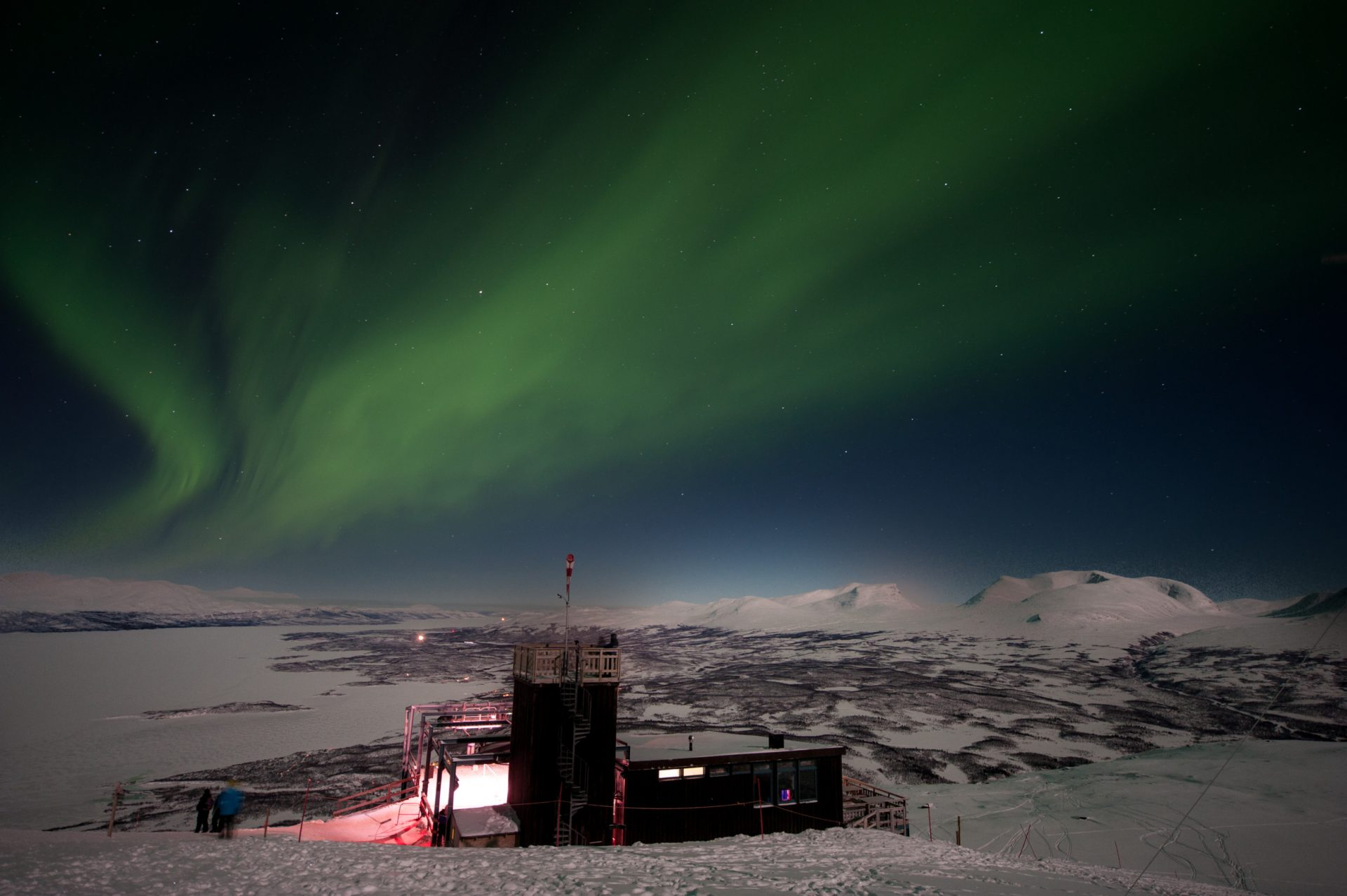 lola_akinmade_Akerstroem-northern_lights-2606