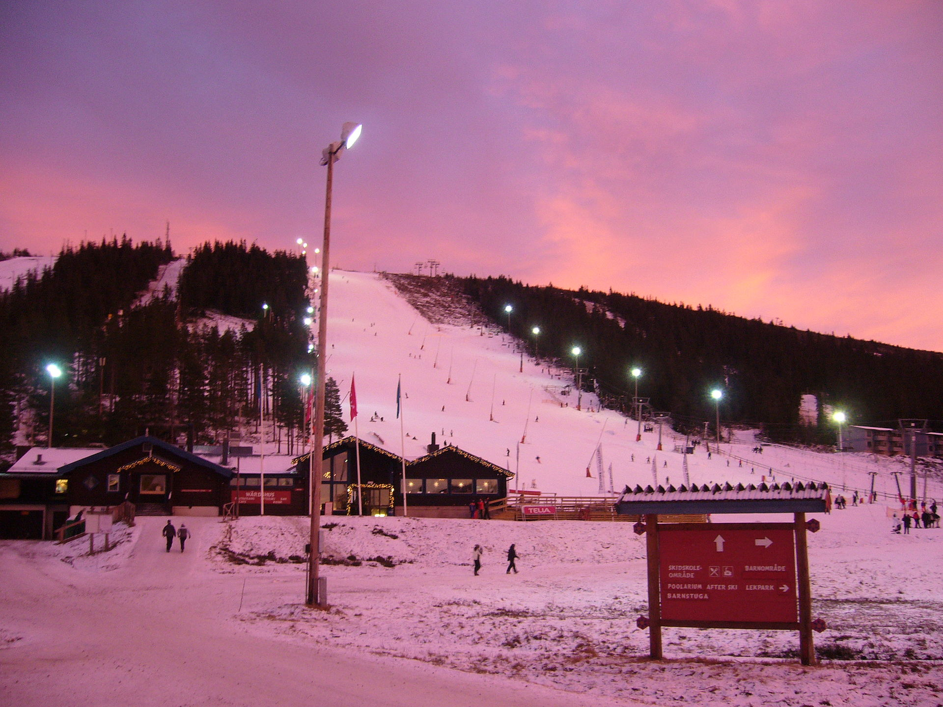 Sunset_skislope