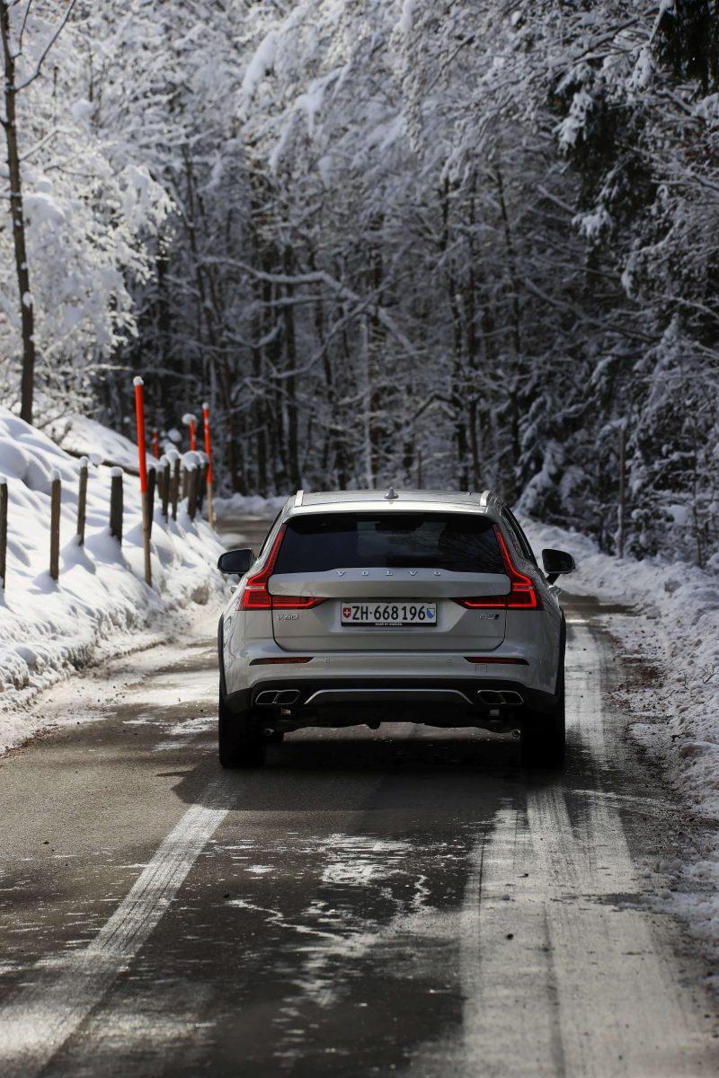 Volvo_V60_CC_Toggenburg_Strasse