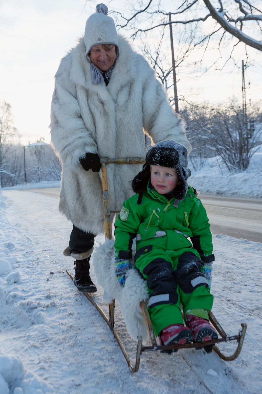 Schwedischer_Tretschlitten_carolina_romare-winter_break-2425