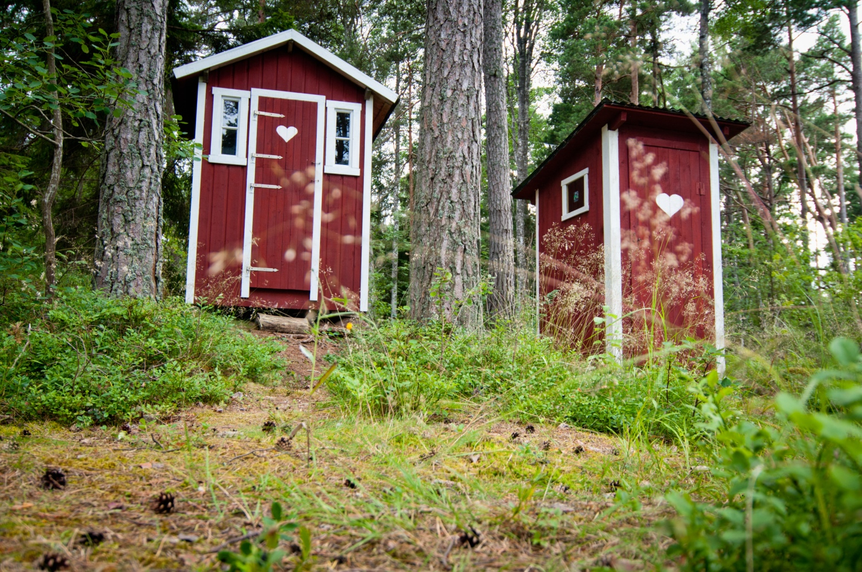 helena_wahlman-countryside_outhouse-3097