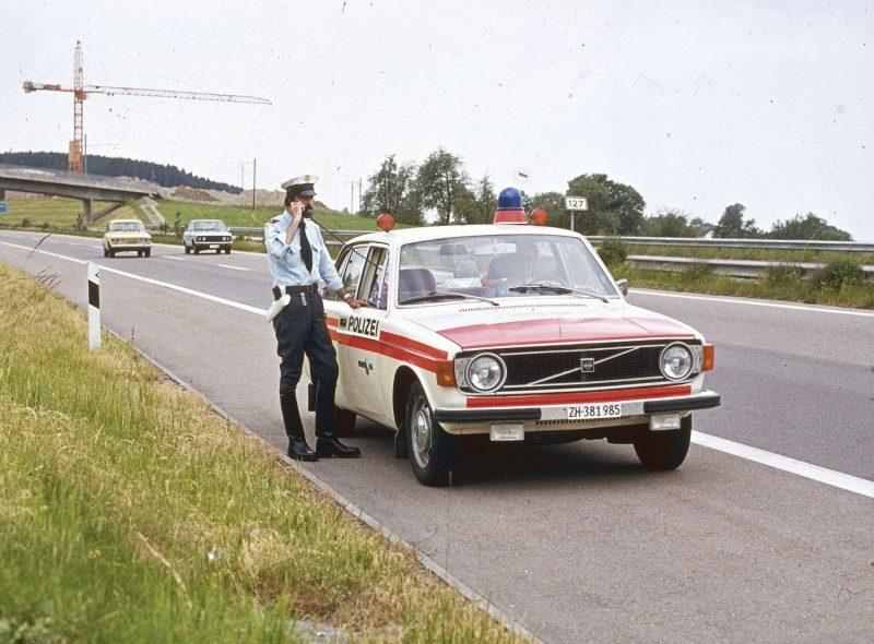 Volvo 144 Polizist