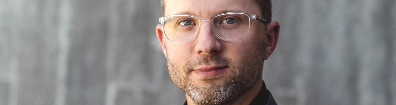 Meet the Designer: video intervista con T. Jon Mayer