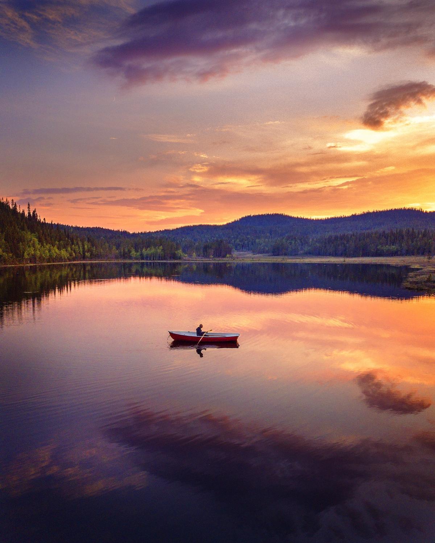 per_lundstram-midnight_sun_in_swedish_lapland-7875